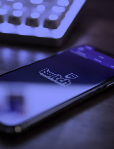 Mobile phone with twitch on the screen